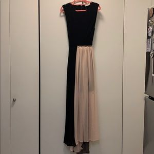 Unique Alice and Olivia Maxi Dress
